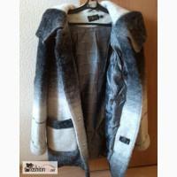 Женское пальто шерсть с капюшоном р.48 в Москве