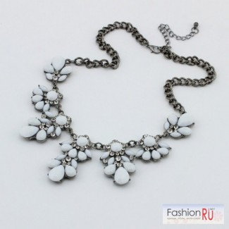 Продам новое колье ожерелье белый кристальный цветок , Саратов