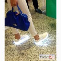 Новые кроссовки со светящейся подошвой в Москве