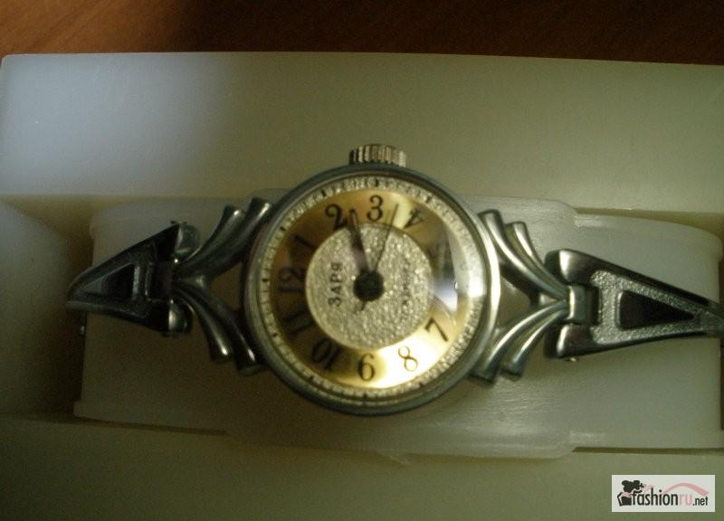 мужские и женские наручные часы по цене до 2000 рублей