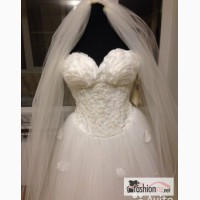 Свадебное платье Оксана Муха Оксана с лепестками в Пятигорске