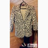 Леопардовый пиджак 44размер фирма Твое в Санкт-Петербурге